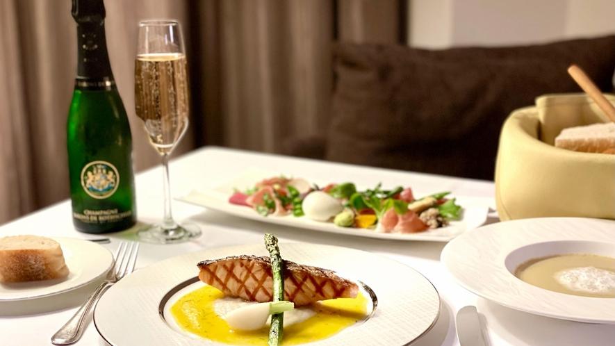 Dine & Stay~インルームダイニング「サーモンのグリル フェンネル サフラン」イメージ