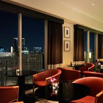 The Club Lounge 16F