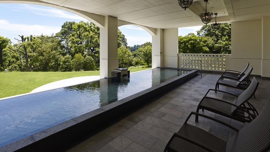 温泉施設「ブリサマリナ」男性用露天風呂