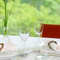 ■ガーデンレストラン テーブル(東館)