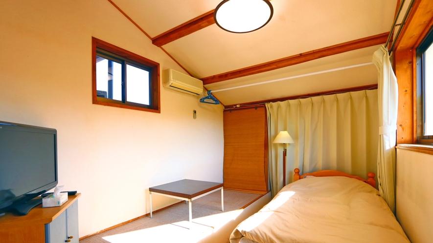 【洋室】シングルルーム②※お部屋によってタイプは異なります。