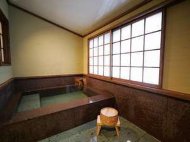 半露天付客室専用の伊豆石風呂