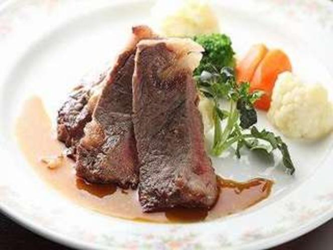 メインは上州牛のステーキ