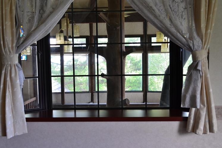 暖かみのある窓枠