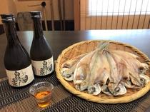 お土産で地酒と名産エボ鯛の干物をプレゼント