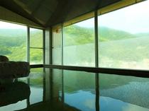 【温泉】男女別大浴場 女性浴室からは伊豆の山々を一望