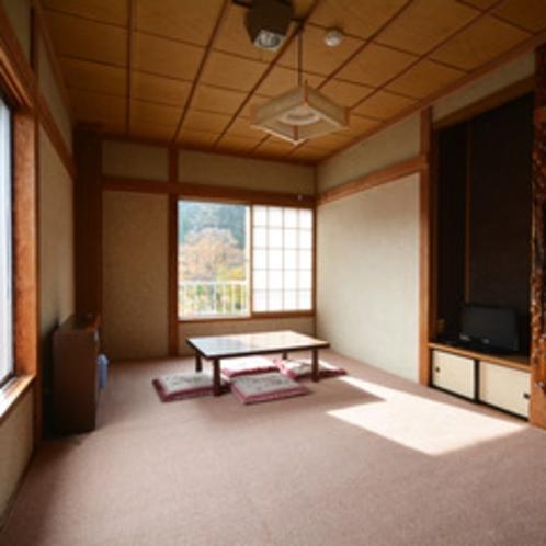 *【客室】ごゆっくりおくつろぎいただける、8畳のお部屋です。