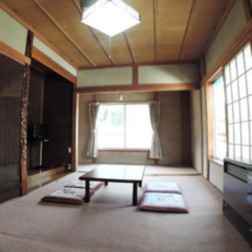*【客室】畳の上で足を伸ばしてのんびりお過ごしいただけます。
