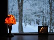 ラウンジから眺める雪景色