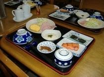 朝食例です。地元八代産のおいしいお米にこだわっています。