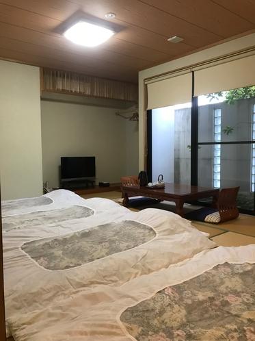 和室12畳の一例です