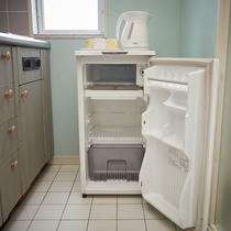 【和洋室◇客室一例】冷蔵庫あります!