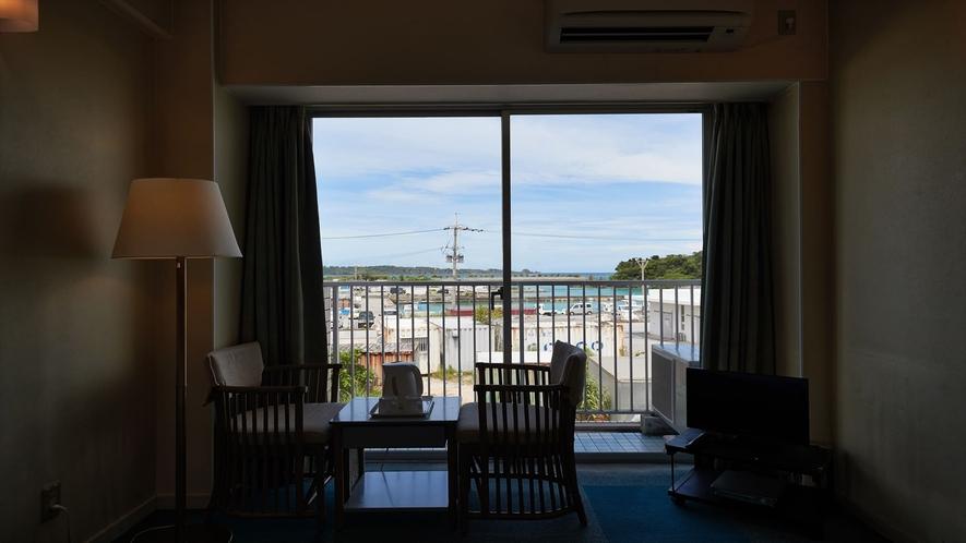 【2階洋室◇客室一例】外からの眺めが最高です