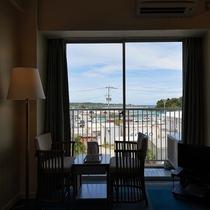 【洋室◇客室一例】外からの眺めが最高です