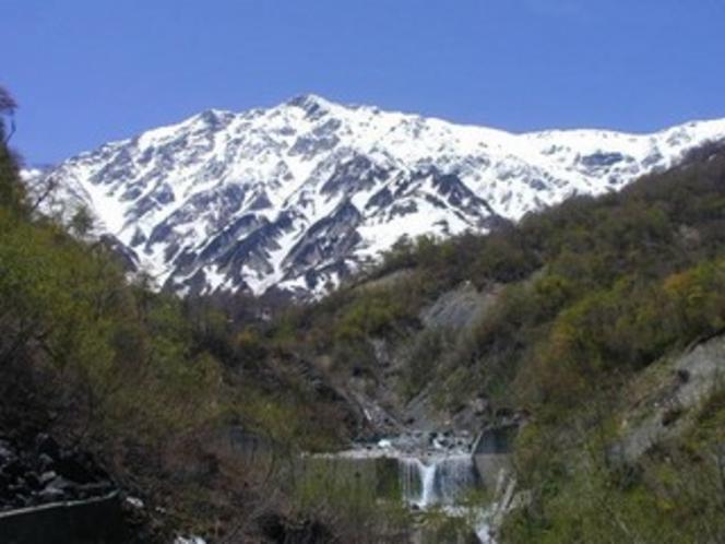 春の白馬岳