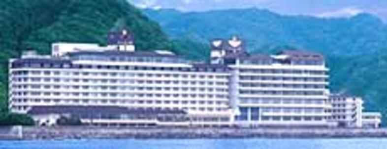 鴨川ホテル三日月(イー・ホリデーズ提供)