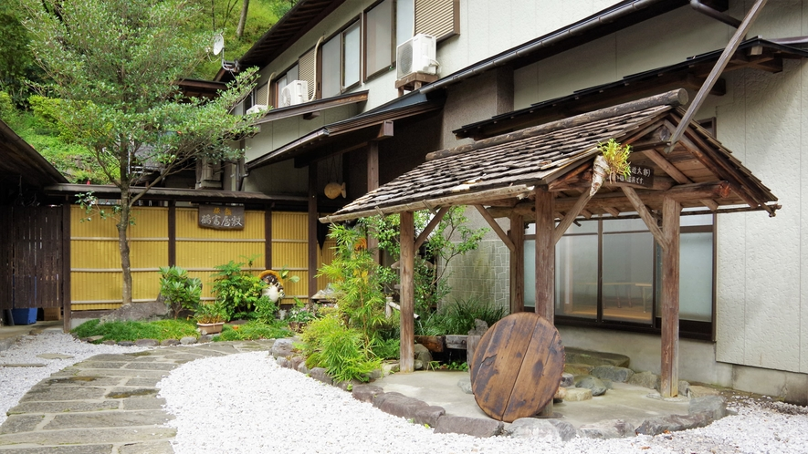 *【施設周辺】重要文化財『鶴富屋敷』