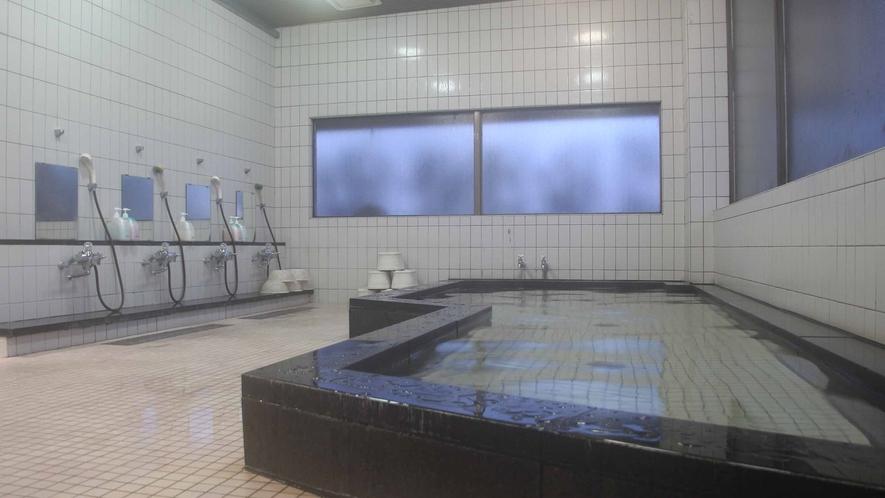 *【大浴場】温泉ではございませんが、男女各1つずつございます。