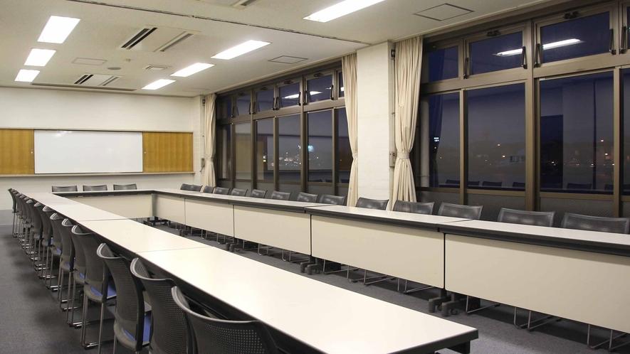 *【第2会議室】当館には数種類の会議室がございます。人数・用途に応じて事前に御予約下さいませ。
