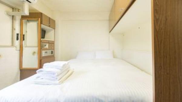 【喫煙】エコノミーダブル/12平米 ベッド幅140cm