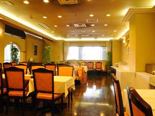 1階レストラン TREIZE