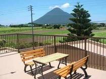 山側のバルコニー(池田湖・開聞岳の間)