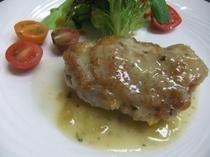 道内産鶏モモ肉のぶどう風味ソテー