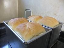 朝食のパンの一例