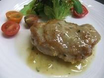 フルコースディナー(肉料理)|地鶏の葡萄ソース煮