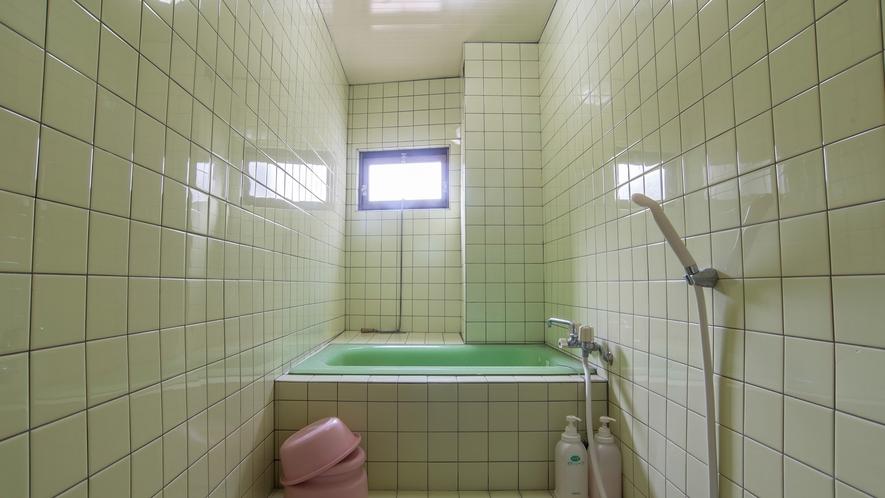 *【和室一例/お風呂】清潔感のあるおふろでごゆっくりおくつろぎください。