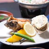 *【夕食一例】八代海でとれる新鮮な魚介類をメインに、旬の食材を使っています。