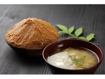 味噌醸造元カネダイさんの味噌汁