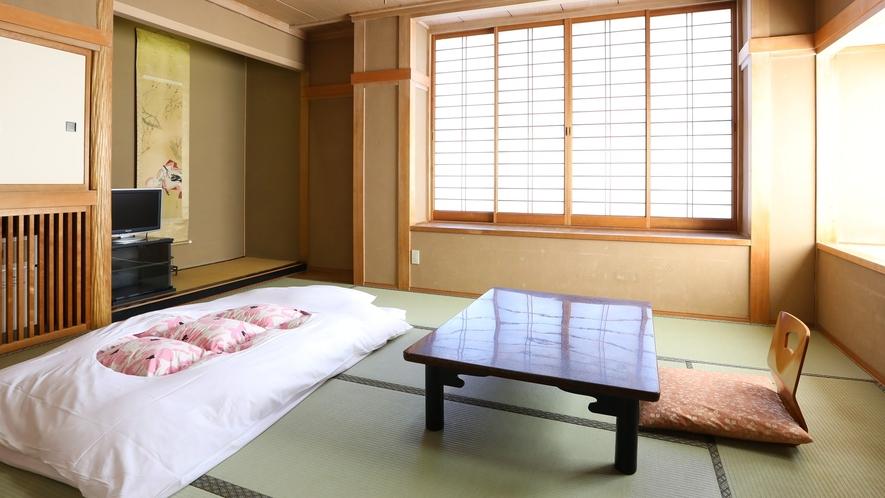 ◇10畳和室『小町』 4名までお泊りいただけるコンパクトな和室。お子様連れに人気のお部屋です。