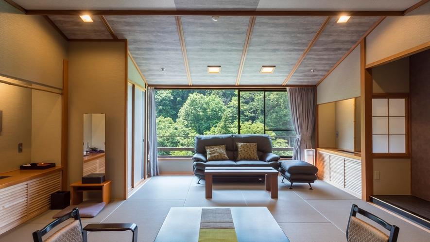 柔らかな琉球畳でのんびりとお寛ぎください。和モダン客室。