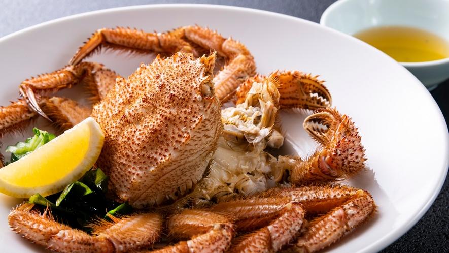 北海道産の「毛蟹」の他、厳選した食材を使った特別会席料理をご用意しております。