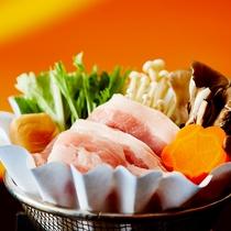 旅のお愉しみのひとつ「お料理」には大変こだわり工夫を重ね、季節毎の味わいをいつでもお愉しみ頂けます