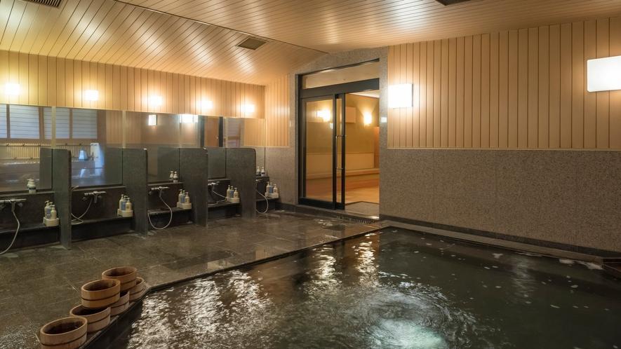 大きな大浴場は男女別、お疲れを癒しのんびりとお寛ぎ頂けます。