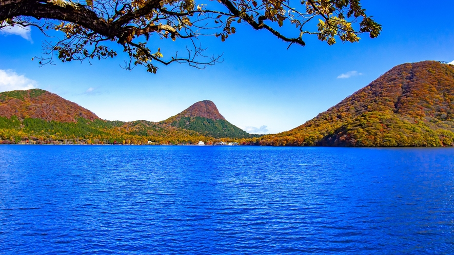 秋の榛名湖