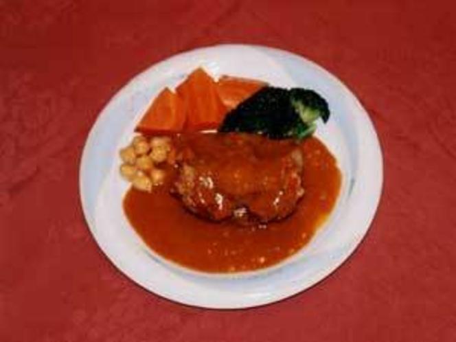 長時間煮込んだ肉料理
