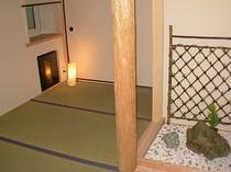 坪庭のある和室(8畳)