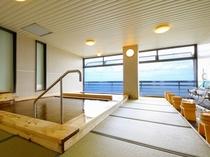 畳敷き展望大浴場