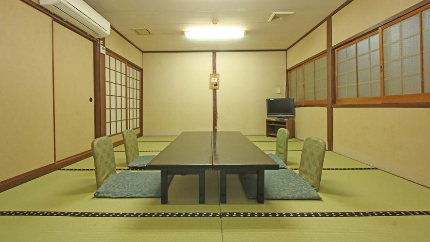 1階食事処 小宴会場としても使われます。畳も張り替えられてきれいです。