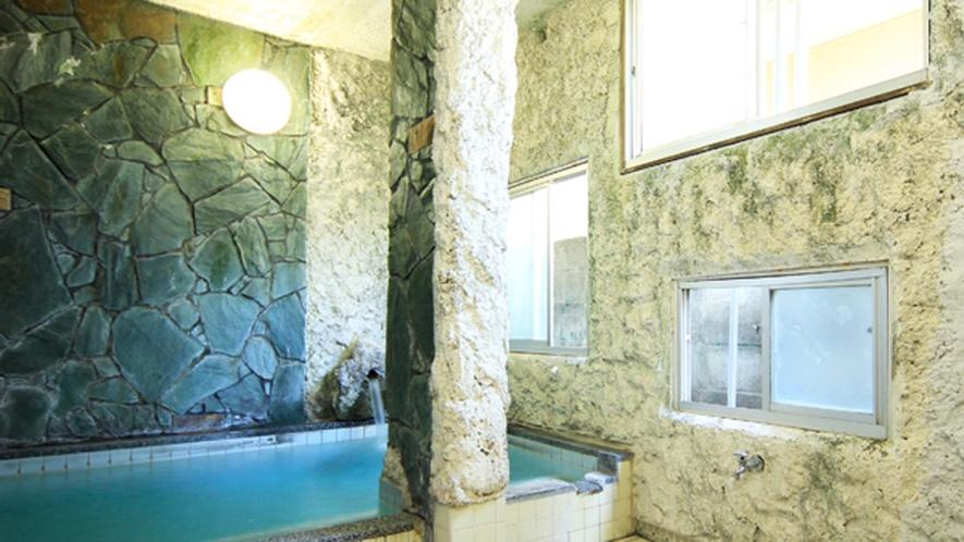 菊池温泉は『化粧の湯』『美人の湯』として知られ、肌触りもよくしっとりスベスベになります!