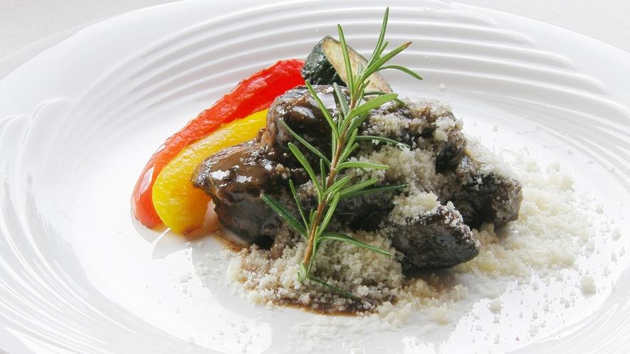 和牛スネ肉の赤ワイン煮込み メインの一例です