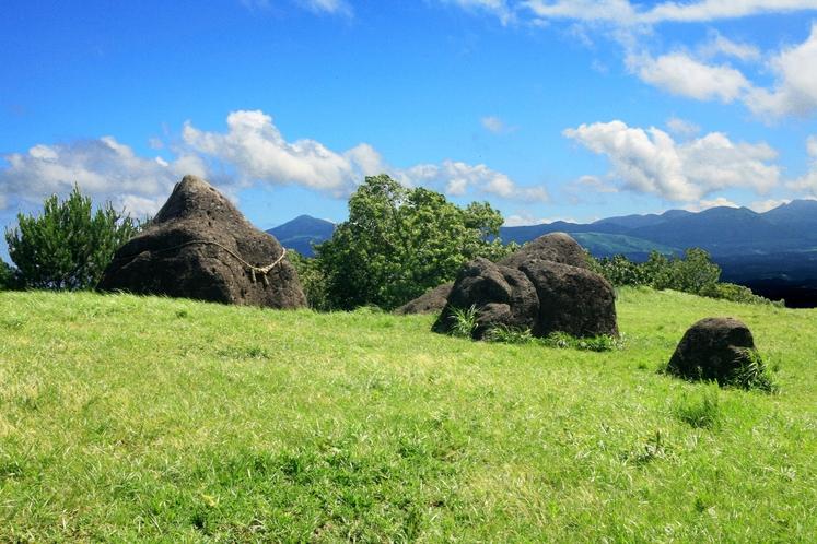 写真提供:熊本県観光連盟【周辺】押戸石の丘(当館から車で約30分)