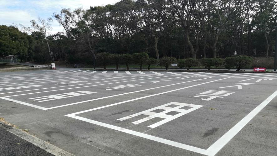 '公園内駐車場大型車レーン
