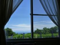 食堂の窓から見た景色