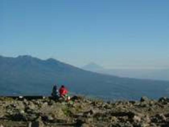 車山山頂より富士山を望む