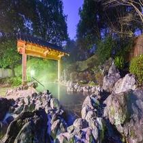 *【露天風呂・女湯】バラ風呂やゆず風呂など、季節イベントも行っております。