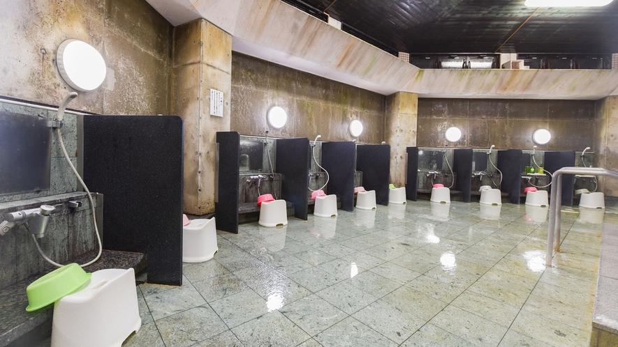 *【大浴場・男湯】リンスインシャンプーやボディソープはご用意しております。